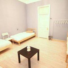 Гостиница Artist on Krasnye Vorota Кровать в общем номере с двухъярусной кроватью фото 5