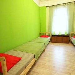 Гостиница Artist on Krasnye Vorota Стандартный семейный номер с двуспальной кроватью фото 5