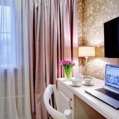Гостиница Де Пари 4* Улучшенный номер с двуспальной кроватью фото 13