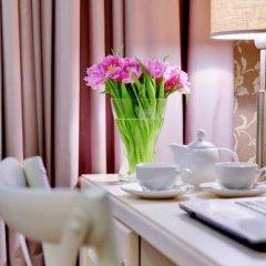 Гостиница Де Пари 4* Улучшенный номер с двуспальной кроватью фото 14
