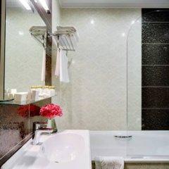 Гостиница Де Пари 4* Улучшенный номер с двуспальной кроватью фото 16