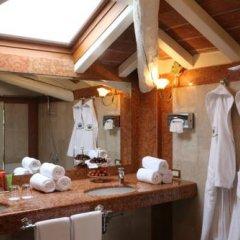 Отель L'Albereta, Relais & Chateaux 5* Улучшенный номер с различными типами кроватей фото 3