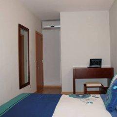Отель VivaCity Porto Улучшенный номер разные типы кроватей фото 16