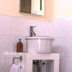 Отель Alcuin Lodge Guest House 4* Стандартный номер с двуспальной кроватью (общая ванная комната) фото 7