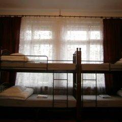 Hostel Stary Zamok Кровать в общем номере с двухъярусными кроватями