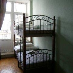 Hostel Stary Zamok Кровать в общем номере с двухъярусными кроватями фото 8
