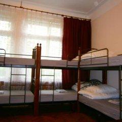 Hostel Stary Zamok Кровать в общем номере с двухъярусными кроватями фото 5