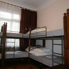Hostel Stary Zamok Кровать в общем номере двухъярусные кровати фото 3