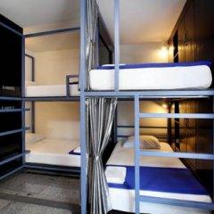 Отель Sino Backpacker Кровать в общем номере фото 6