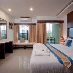Отель Blue Sky Patong 3* Стандартный номер с двуспальной кроватью