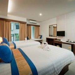Отель Blue Sky Patong 3* Улучшенный номер с двуспальной кроватью фото 18