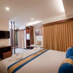 Отель Blue Sky Patong 3* Номер Делюкс с двуспальной кроватью фото 10