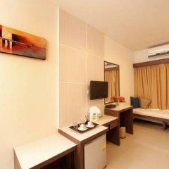 Отель Blue Sky Patong 3* Улучшенный номер с двуспальной кроватью фото 11