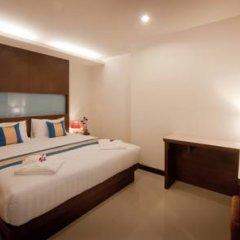 Отель Blue Sky Patong 3* Номер Делюкс с двуспальной кроватью фото 12
