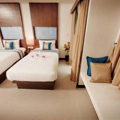 Отель Blue Sky Patong 3* Улучшенный номер с двуспальной кроватью фото 7