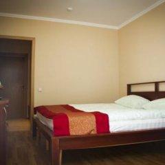 Гостиница Велес Стандартный семейный номер с двуспальной кроватью