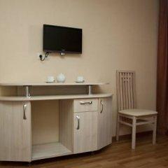 Гостиница Велес Стандартный семейный номер с двуспальной кроватью фото 7