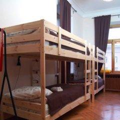 Z-Hostel Кровать в общем номере с двухъярусной кроватью
