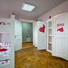 Hostel Just Lviv It! Кровать в общем номере с двухъярусной кроватью