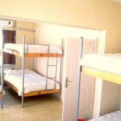 Kevin's Hostel Кровать в общем номере двухъярусные кровати