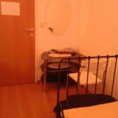 Отель Pension Vienna Happymit 2* Стандартный номер с 2 отдельными кроватями (общая ванная комната) фото 2