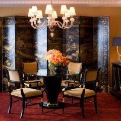 Four Seasons Hotel London at Park Lane 5* Люкс Park с двуспальной кроватью