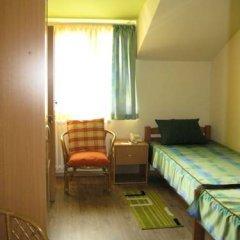Hostel Oasis Стандартный номер с 2 отдельными кроватями (общая ванная комната) фото 2