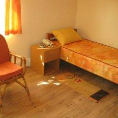 Hostel Oasis Стандартный номер с 2 отдельными кроватями (общая ванная комната)