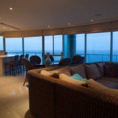 Отель The Waterford on Main Beach Апартаменты с различными типами кроватей фото 18