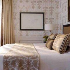 Four Seasons Hotel Prague 5* Улучшенный номер с различными типами кроватей фото 11
