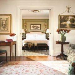 Four Seasons Hotel Firenze 5* Представительский люкс с двуспальной кроватью фото 2