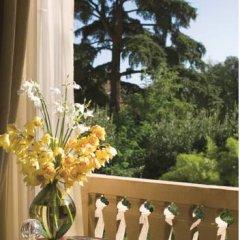 Four Seasons Hotel Firenze 5* Номер Делюкс с различными типами кроватей фото 5
