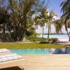 Отель Four Seasons Resort Bora Bora 5* Вилла с различными типами кроватей фото 11