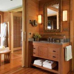 Отель Four Seasons Resort Bora Bora 5* Бунгало с различными типами кроватей фото 17