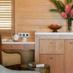 Отель Four Seasons Resort Bora Bora 5* Бунгало с различными типами кроватей фото 22