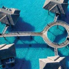 Отель Four Seasons Resort Bora Bora 5* Бунгало с различными типами кроватей фото 18