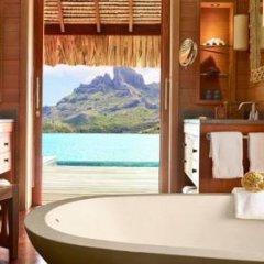 Отель Four Seasons Resort Bora Bora 5* Бунгало с различными типами кроватей фото 25