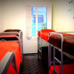 Отель Escudellers House Кровать в общем номере фото 12