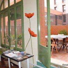 Отель Escudellers House Кровать в общем номере фото 14