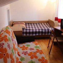 Гостиница Малая Прага 3* Номер с общей ванной комнатой с различными типами кроватей (общая ванная комната) фото 5