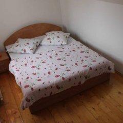 Гостиница Малая Прага 3* Номер Эконом с двуспальной кроватью (общая ванная комната) фото 2