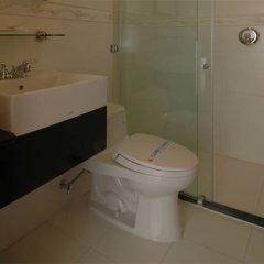 Lan Phuong Hotel 2* Стандартный номер с различными типами кроватей фото 3
