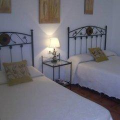 Отель Hostal El Canario Стандартный номер с двуспальной кроватью фото 13