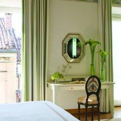 Four Seasons Hotel Milano 5* Улучшенный номер с различными типами кроватей
