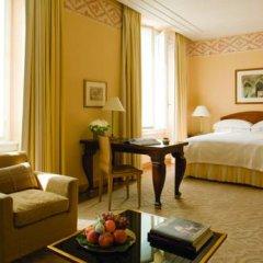 Four Seasons Hotel Milano 5* Улучшенный номер с двуспальной кроватью фото 3