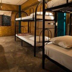 Phuket Ghetto Child Hostel Кровать в общем номере фото 2