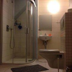 Hostel One Miru Стандартный номер с различными типами кроватей фото 6