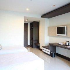 Отель Crystal Suites Suvarnabhumi Airport 3* Номер Делюкс