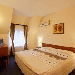 Hotel Cheap 2* Стандартный номер с двуспальной кроватью