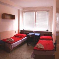 Hostel Modra Стандартный номер с 2 отдельными кроватями (общая ванная комната)